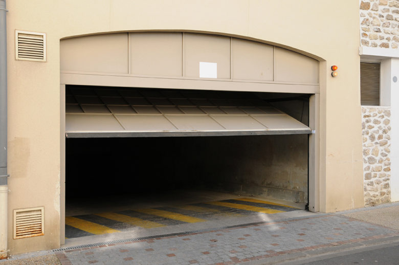 Commercial garage door sales