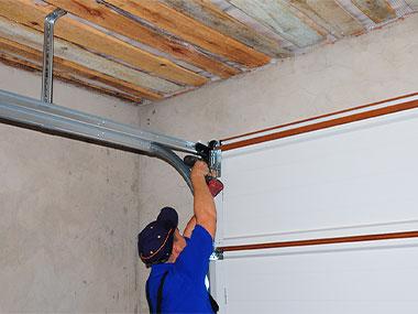 Garage Door Track Repair in Plano, Dallas, McKinney, Fort Worth and Richardson, TX